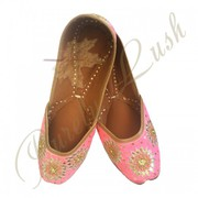Latest Designs And Patterns In Bridal Jutti