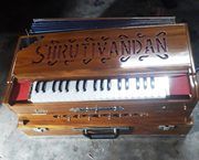 A largest harmonium's manufacturing and repairing services in Kolkata